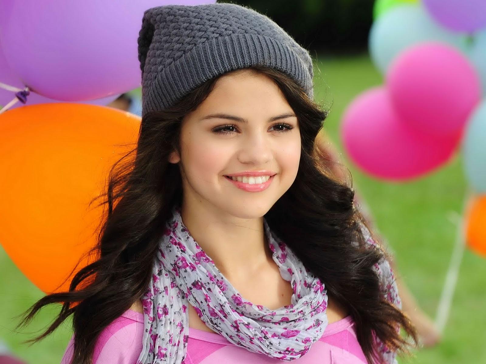 Selena-Gomez-Pictures
