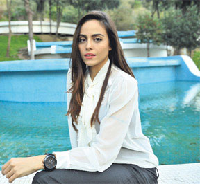 عکس های جدید آزرا در سریال عمر گل لاله + بیوگرافی