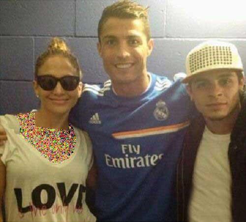 جنیفر لوپز در کنار بازیکنان رئال مادرید +عکس