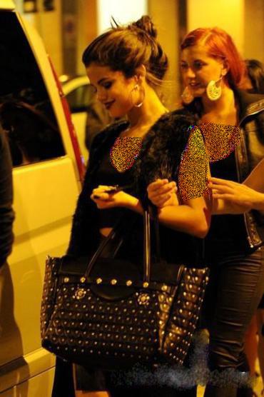 عکس های سلنا گومز در میلان 2013