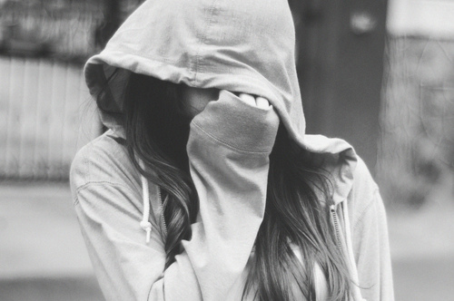 غمگین دی 92,اس ام اس غمگین ,  عکس دختر غمگین,عکس دختری که داره گریه میکنه