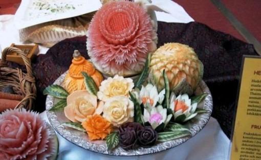 میوه آرایی, سفره آرایی, چگونه میوه ها, تزئین کنیم؟, تزئین میوه, سبزیجات, تزئین میوه روی میز,تزئین میوه, سیخ چوبی, تزئینات میوه, سبزی, شب چله,تزیین میوه شب چله ,مدل تزئین میوه شب یلدا 92