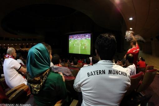 پخش زنده , پخش فوتبال در سینما, عکس دیدن فوتبال در سینما, پخش زنده فوتبال در سینما