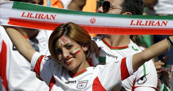 تماشاگران بازی ایران و آرژانتین , تماشاگران زن , تماشاچی ایران و آرژانتین