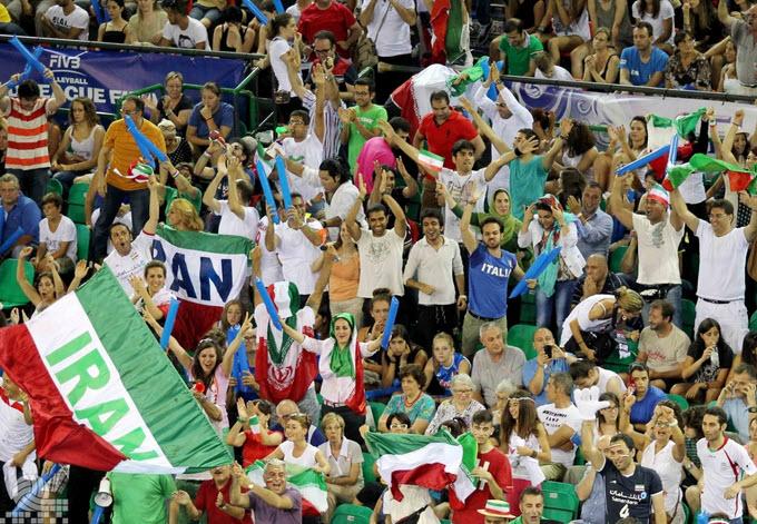 والیبال ایران و برزیل , تماشاگران بازی , دانلود