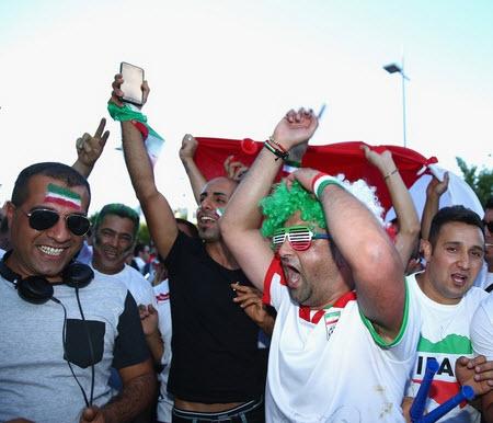 عکس تماشاگران ایران و بحرین , تماشاگران دختر بازی ایران و بحرین 2015 , عکس تماشاگران زن , تماشاگران جام ملت های آسیا 2015