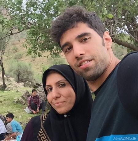 محمد موسوی و مادرش