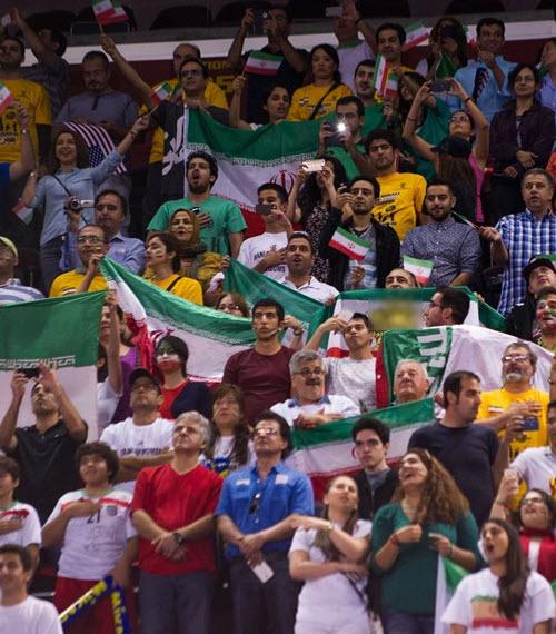 نتیجه بازی والیبال لیگ جهانی ایران - آمریکا , بازی ایران و آمریکا خرداد 94 , عکس تماشاگران بازی ایران و آمریکا
