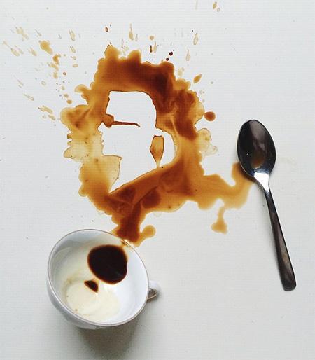 عکس جالب , نقاشی با قهوه , قهوه ریخته شده روی زمین, نقاشی هنری با قهوه