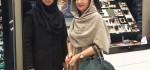 عکس های بازیگران زن ایرانی در یک فروشگاه آرایشی و بهداشتی