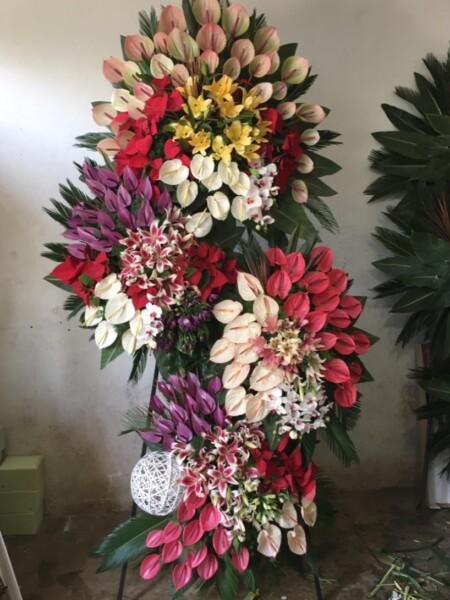 تاج گل عروسی پنج طبقه
